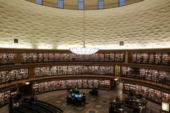 斯德哥尔摩公立图书馆