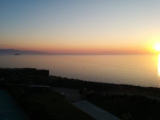 Agios Romanos, Grekland: Sail Inn
