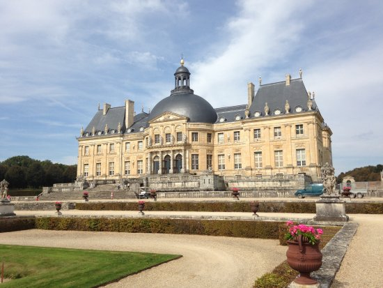 Chateau de vaux le vicomte the drax residence from james bonds moonraker