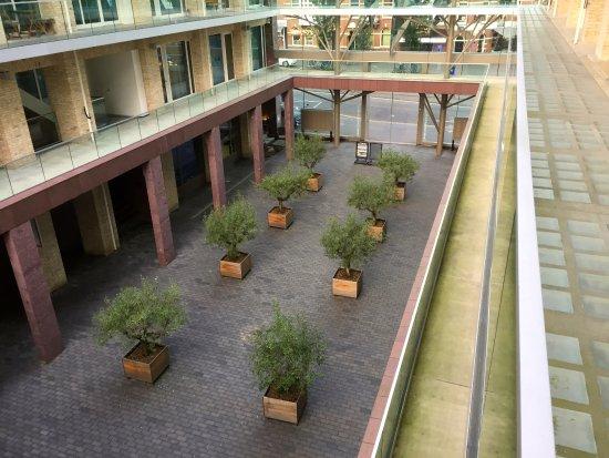 Amadi Park Hotel: Lower atrium