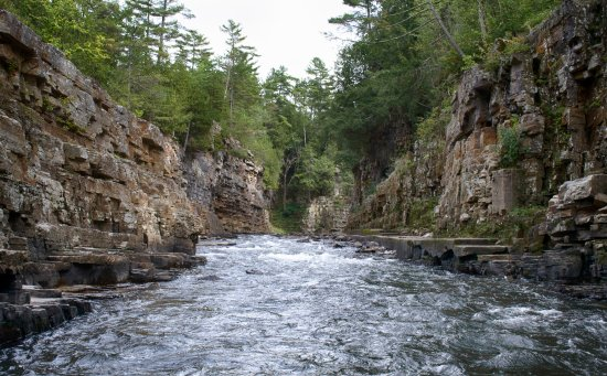 Keeseville, Nova York: View of the corridor from the Raft