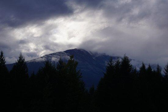 Mount 7 Lodges: photo2.jpg