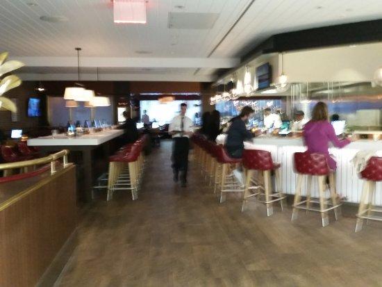 East Elmhurst, estado de Nueva York: seating and bar areas