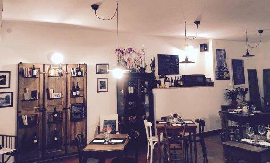 Magliano Sabina, Italia: Atmosfera da bistrot...