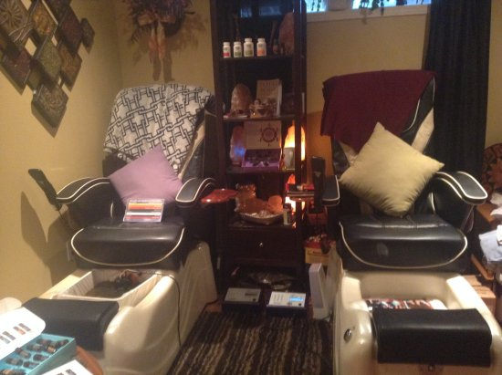 Judi's Studio & Health Spa : Relax during your Ion Cleanse Whole Body detox.