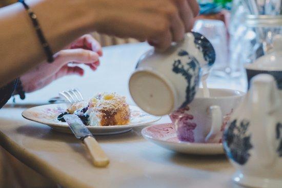 Cocomaya: great tea and tasteful fresh fruit brioche