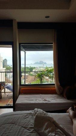 Aonang Cliff Beach Resort: 20160919_165038_large.jpg