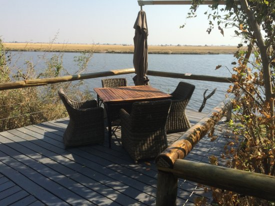 Chobe Game Lodge: Nice deck space with a view to the river
