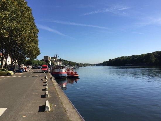 Conflans Sainte Honorine, Francja: les bords de seine à Conflans