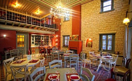 Ano Pedina, Grecja: Εστιατόριο & Μπαρ