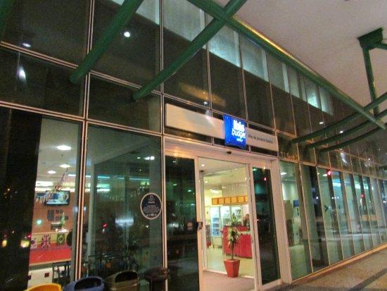 Hotel ibis budget Rio de Janeiro Centro: porta de entrada