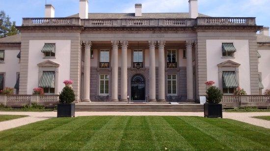 Wilmington, DE: Mansion Entry