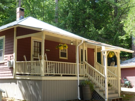 Bartlett, NH : Langdon and Parker Cottage Rooms Shared Front Porch