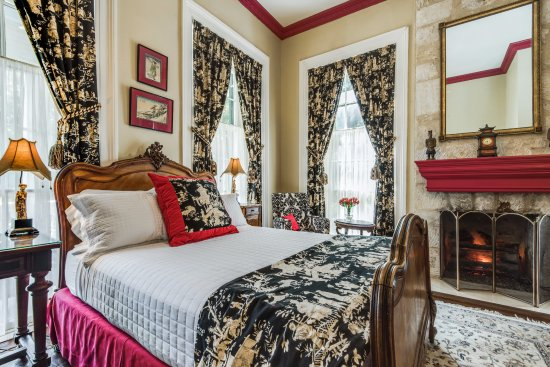 Noble House Inn Bed And Breakfast