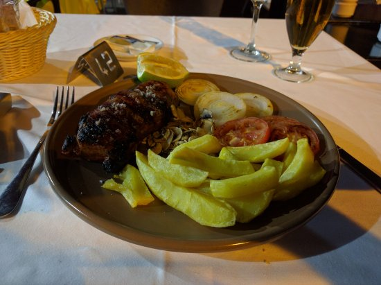 Santiago de la Ribera, España: Life at it's best ... a great steak !!
