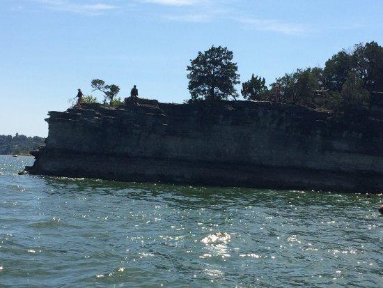 แบรนสัน, มิสซูรี่: Cliff jumping