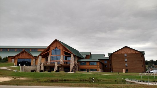 Warrens, WI: Grand in appearance, and lots of fun for family and friends looking for amusements