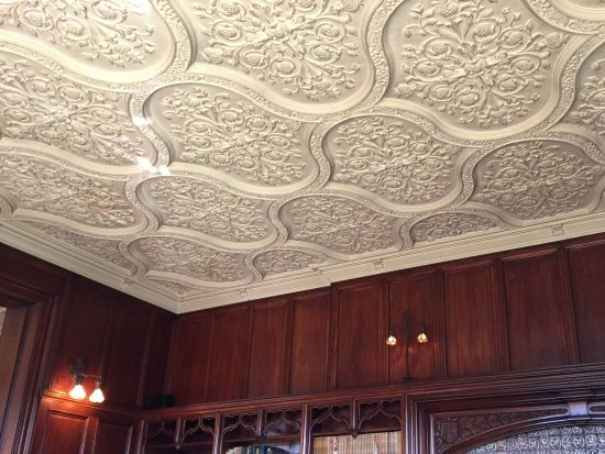 Cavendish, VT: Intricate ceiling detail in library