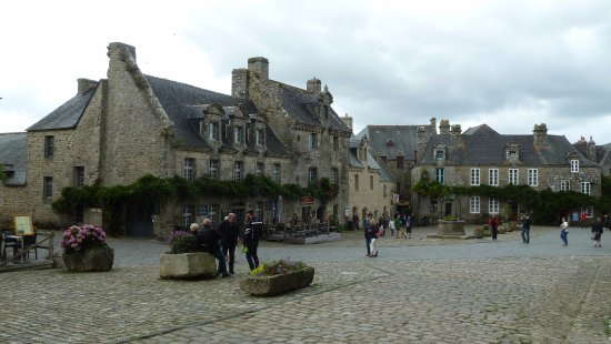 Locronan, ฝรั่งเศส: la piazzetta