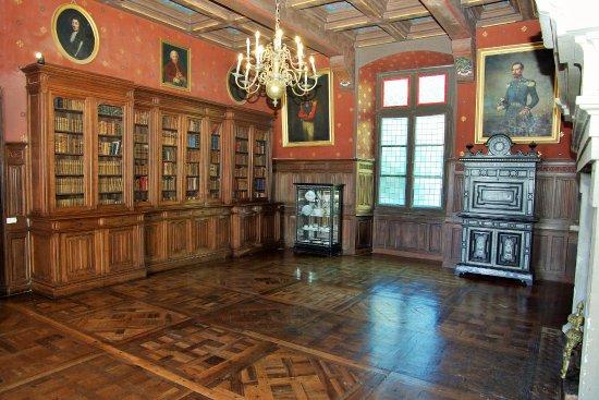 Le petit bureau - Picture of Chateau De Poudenas, Poudenas ...