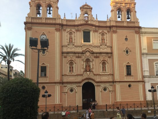 Catedral de Huelva : There is a nice square in front of it