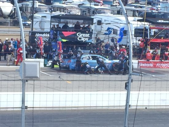 Loudon, NH: good view of pit stops for about 10 teams