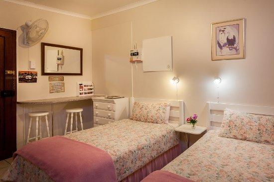 Grahamstown, Zuid-Afrika: Two bed garden flat with ensuite bathroom