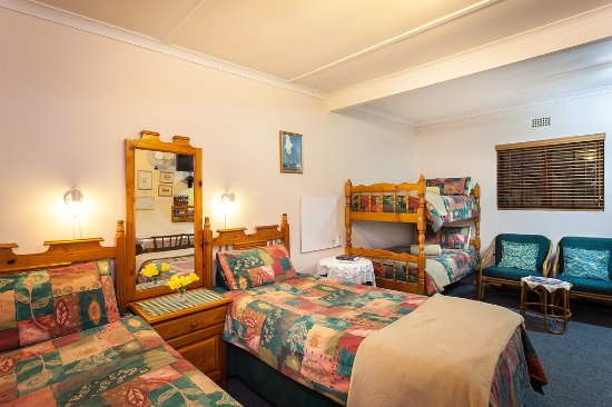 Grahamstown, Afrika Selatan: Four bed family unit/ garden flat