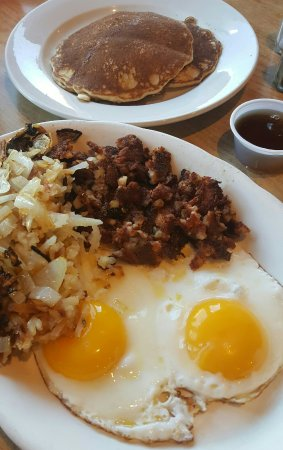 Grayslake, IL: Corned beef hash and eggs..😊