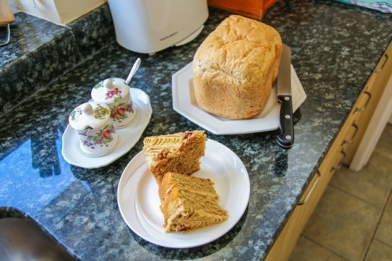London Road Garden Annex : Home-made bread and cakes