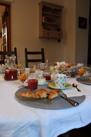 Lauris, Frankrig: petits déjeuners inclus, copieux, confitures maison