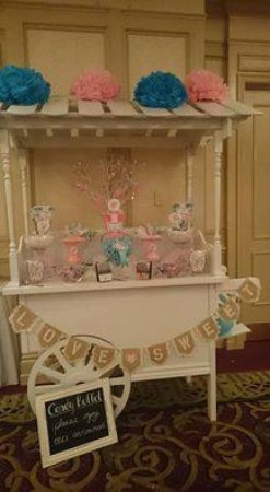 Barrie, Canada: Candy Buffets / sweet tables in your colours on our great candy cart