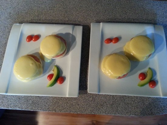 Nelson, Canada: Eggs Benny