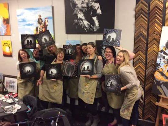 Newtown, Pensilvania: BYOB weekly painting parties