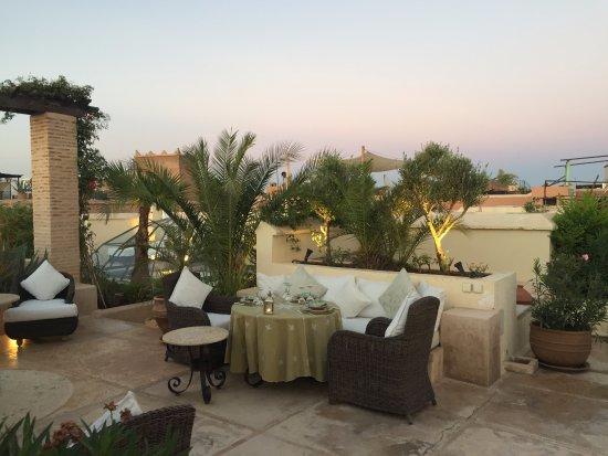 Riad Camilia: diner sur la terrasse
