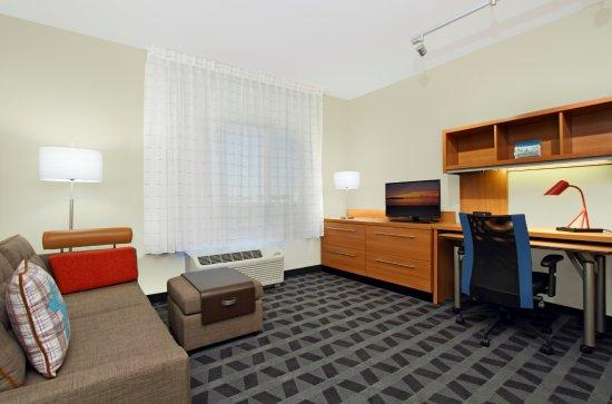McKinney, TX: One Bedroom Suite