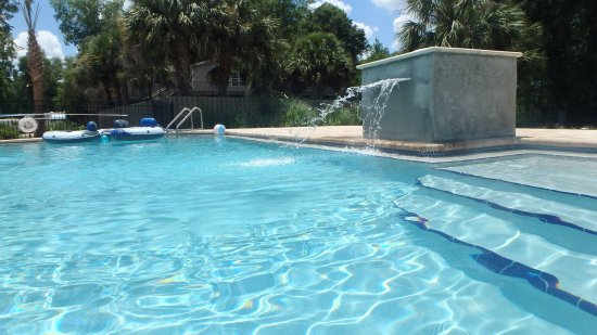Branford, FL: Chilled/Heated pool, handicap accessible, large steps & sitting areas within pool for easy acces