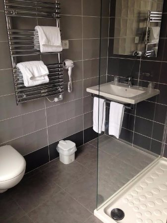 Saint-Dizier, ฝรั่งเศส: salle de bain