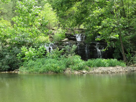 Owensville, MO: Waterfall