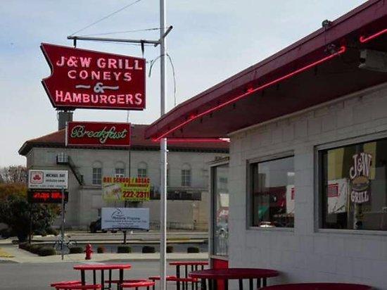 Chickasha, OK: J&W Grill