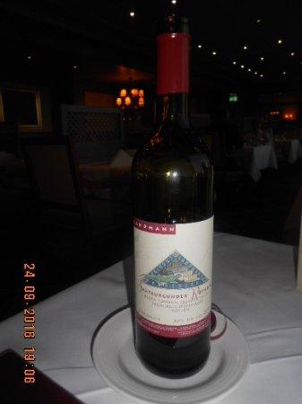 Saig, Germany: Een plaatselijke (rode) wijn
