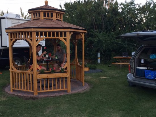 Spokane Valley, Вашингтон: Deluxe Gazebo Sites offer a little luxury to tent or small RV camping