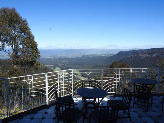 Medlow Bath, Australia: The view from one of their few outside balconies
