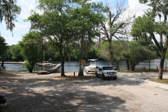 Branford, FL: Ellie Ray's boat ramp and dock