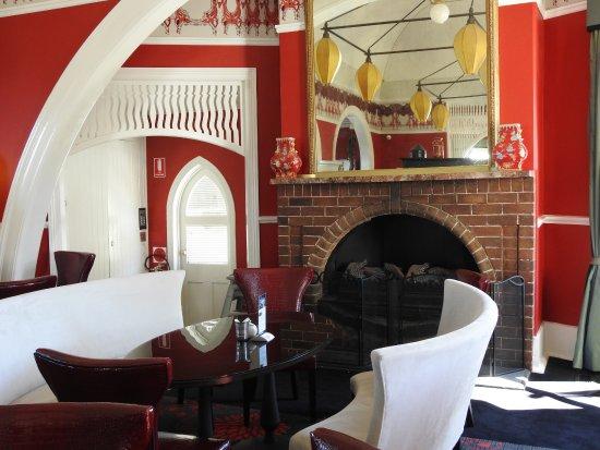 Medlow Bath, أستراليا: The bar area come tea area