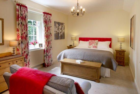 Ross-on-Wye, UK: Grosvenor's master bedroom