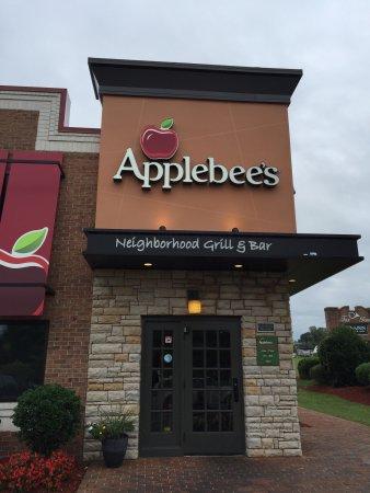 Prince Frederick, MD: Inside Applebee's