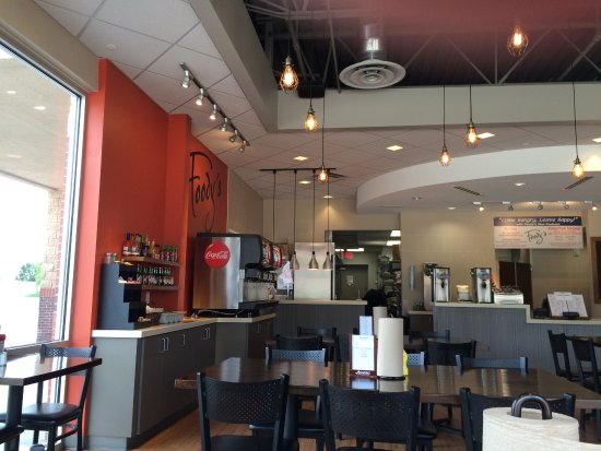 Olathe, KS : Modern, bright decor; self-serve drinks