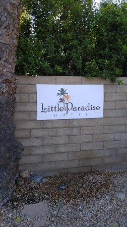 Little Paradise Hotel: outside sign
