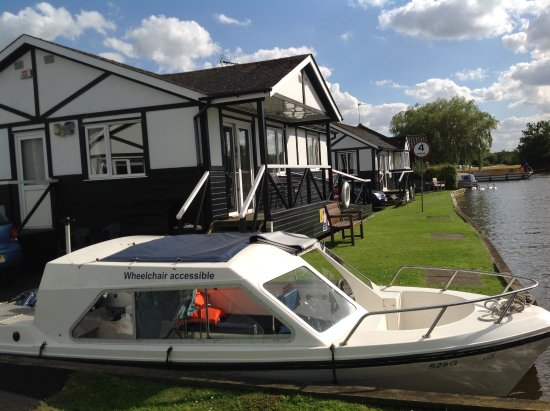 Horning, UK: Dayboat you can hire